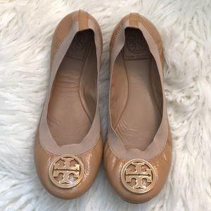 EUC Size 8M Tan Patent Tory Burch Caroline Flats!